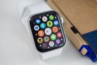 Mua Apple Watch dựng giá 2 triệu tại SG, nhiều người ôm hận